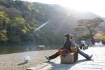 ทางเดินชิวๆ ริมแม่น้ำ ณ อาราชิยาม่า