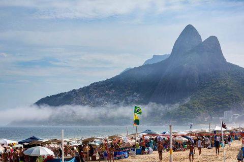 ชายหาด Ipanema กับหมอกจางๆ CR พี่กั้ง
