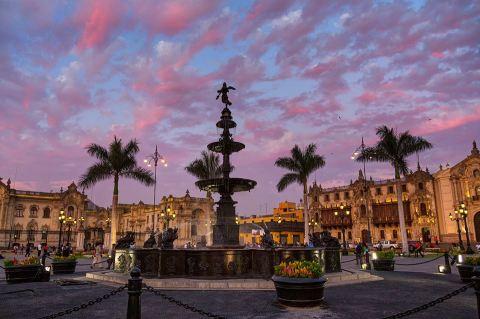 Plaza De Amas, Lima, Peru CR พี่ติ่ง