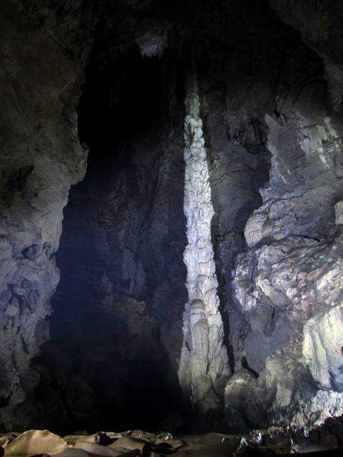 เสาหิน Hi light ของถ้ำนี้